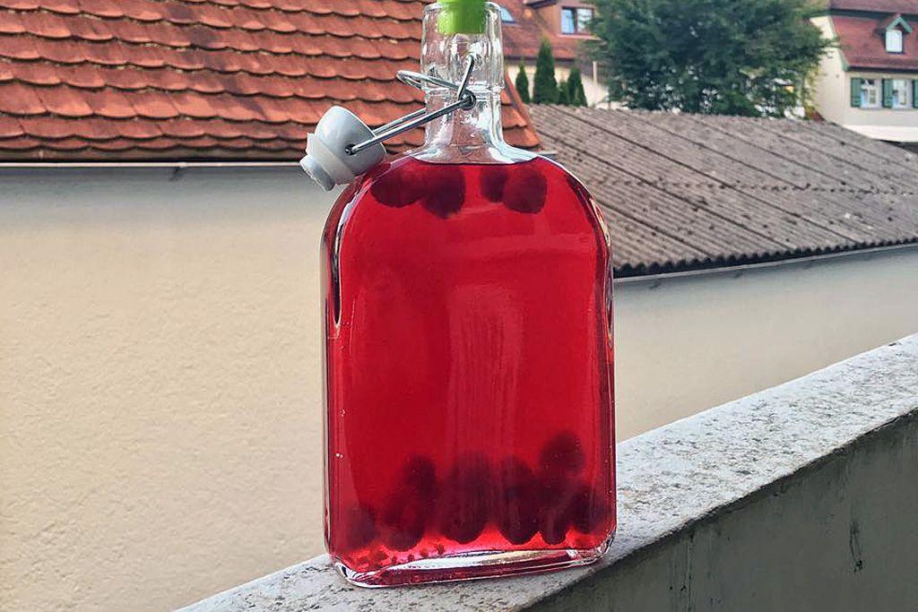 Homemade raspberry liqueur   July Recipes